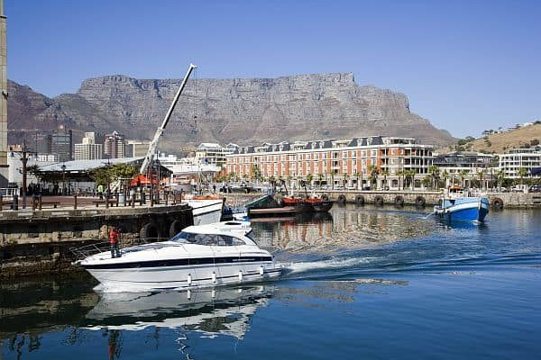 Cape Peninsula cycling starts in V&A Waterfront with superb views of Table mountain and coast